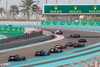 Renn-Action beim Formel-2-Finale 2018 in Abu Dhabi