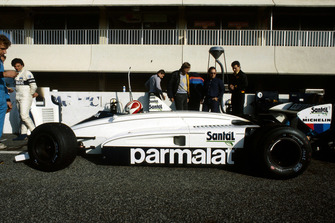 Nelson Piquet, Brabham BMW BT51, mientras lo mira Riccardo Patrese