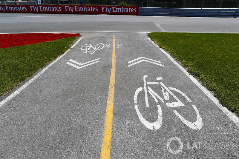 Circuit detail, including a cycle lane