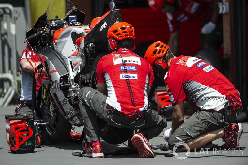 Ducati, cambio gomma
