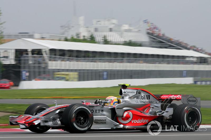 2007: Льюис Хэмилтон, McLaren MP4-22 Mercedes