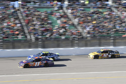 Denny Hamlin, Joe Gibbs Racing Toyota, Jimmie Johnson, Hendrick Motorsports Chevrolet, Matt DiBenedetto, GO FAS Racing Ford