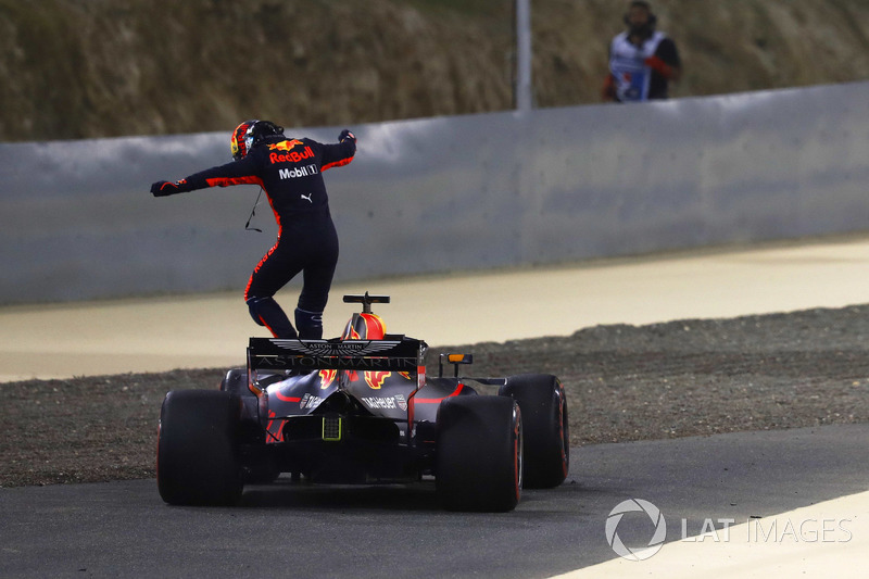 Daniel Ricciardo, Red Bull Racing RB14 Tag Heuer, gagal finis