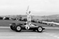 Jim Clark, Lotus 25 Climax takes the chequered flag