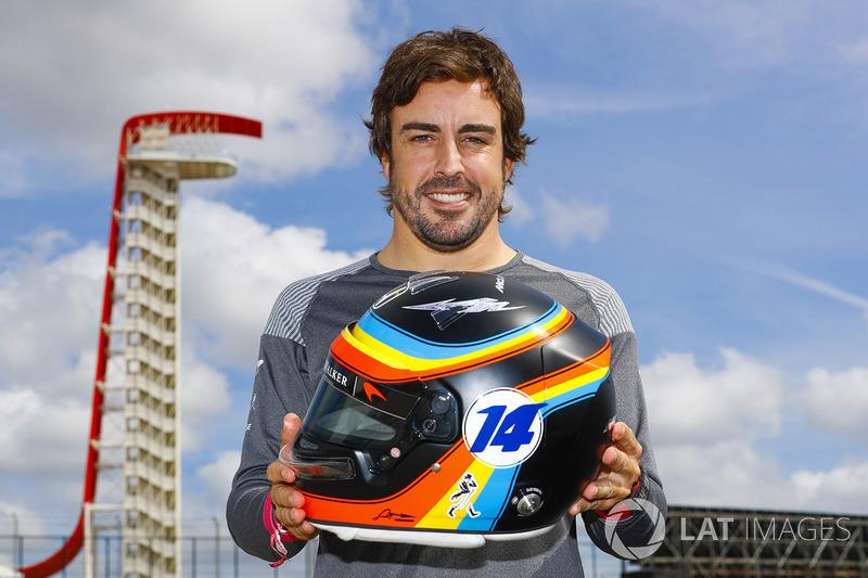 Fernando Alonso, McLaren, con su casco con temática de las Indy 500