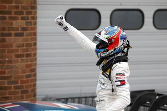 Ganador de la carrera Paul Di Resta, Mercedes-AMG Team HWA