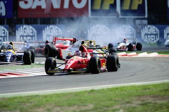 Kollision: Ayrton Senna, McLaren MP4/8, Damon Hill, Williams FW15C
