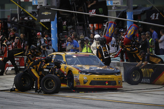 Daniel Hemric, Richard Childress Racing, Chevrolet Camaro South Point Hotel & Casino, pit stop