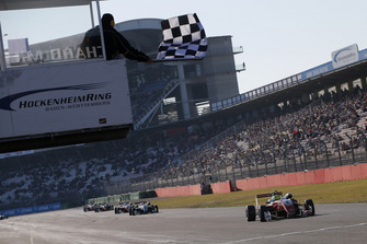 Checkerd flag for Mick Schumacher, PREMA Theodore Racing Dallara F317 - Mercedes-Benz