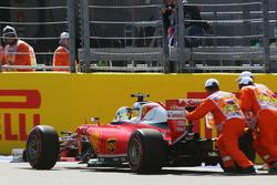 Себастьян Феттель, Ferrari SF16-H остановился на прямой старт/финиш