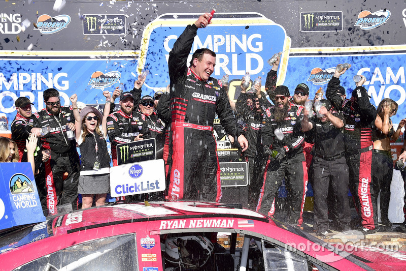 Ganador, Ryan Newman, Richard Childress Racing Chevrolet en el Victory Lane