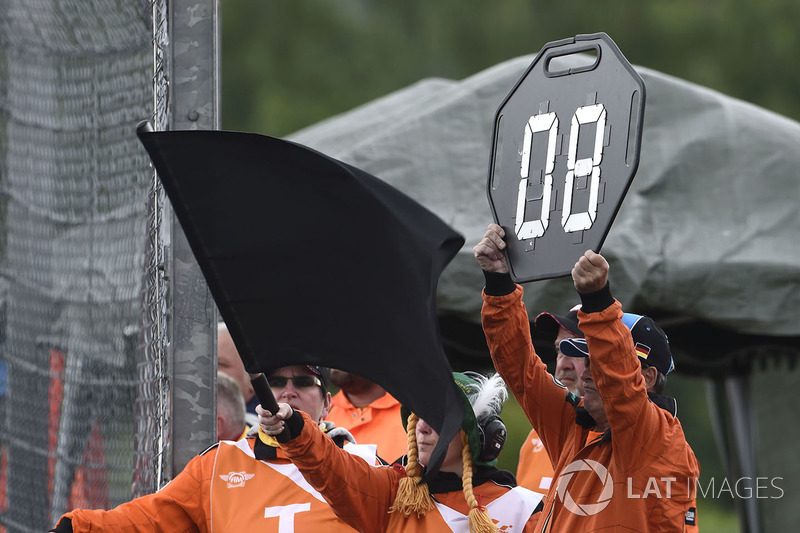 Hector Barbera, Avintia Racing, black flag