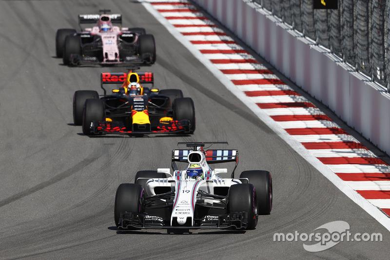 Felipe Massa, Williams FW40, Daniel Ricciardo, Red Bull Racing RB13, Sergio Perez, Sahara Force India F1 VJM10