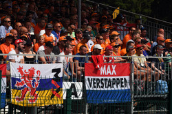 Max Verstappen, Red Bull Racing fans
