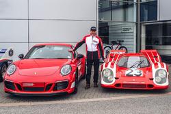 Річард Етвуд, Porsche 911 Carrera GTS 4 British Legends Edition