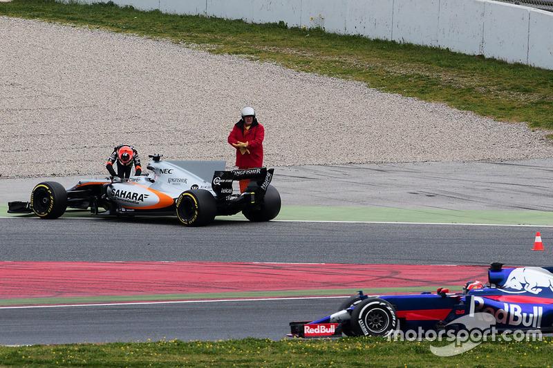 Естебан Окон, Sahara Force India F1 VJM10, зупинка на трассі