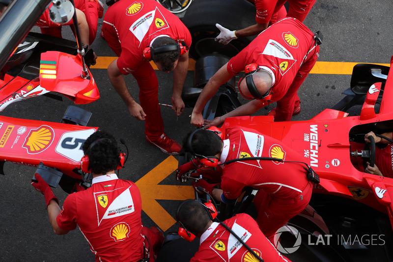 Ferrari pit stop antrenmanı