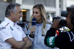 Charly Lamm, BMW Team Schnitzer, Teammanager, mit Eve Scheer