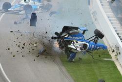Crash: Scott Dixon, Chip Ganassi Racing, Honda