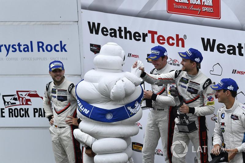 GTLM Podio: Ganadores de la carrera Patrick Pilet, Dirk Werner, Porsche Team, segundo lugar Gianmaria Bruni, Laurens Vanthoor, Porsche Team, tercer lugar John Edwards, Martin Tomczyk, BMW Team RLL