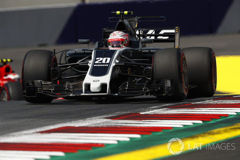 15. Кевін Магнуссен, Haas F1 Team VF-17