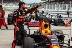 Daniel Ricciardo, Red Bull Racing celebrates in parc ferme