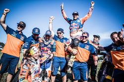 #19 KTM Racing Team: Laia Sanz, #14 Red Bull KTM Factory Racing: Sam Sunderland y #16 Red Bull KTM F