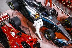 Обладатель второго места Льюис Хэмилтон, Mercedes AMG F1 W08