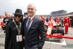 Thierry Antinori, vice président d'Emirates, avec sa femme Senait Antinori