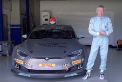 Tiff Needell ve Electric GT Tesla P100D