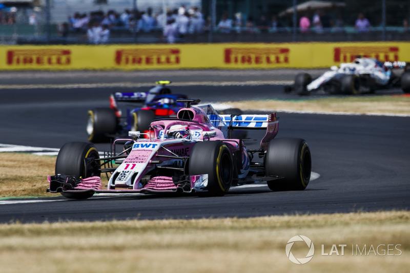 Sergio Perez, Force India VJM11 y Pierre Gasly, Toro Rosso STR13