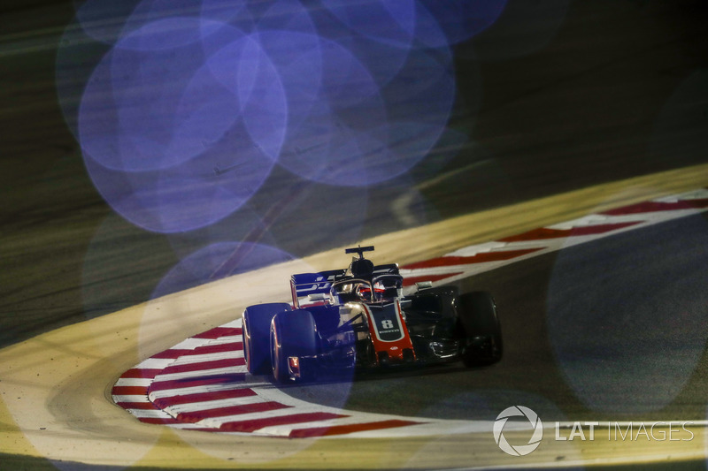 16: Romain Grosjean, Haas F1 Team VF-18, 1'30.530
