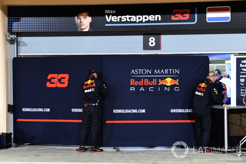 Garage screens for Max Verstappen, Red Bull Racing