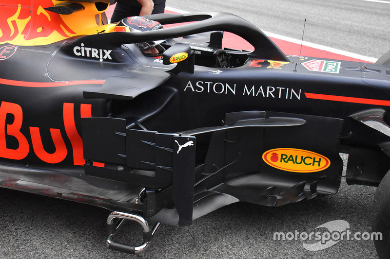 Red Bull Racing RB14 bargeboard detail