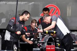 Haas F1 mechanics work on Haas F1 Team VF-17
