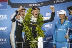 Podio: Nicky Catsburg, Polestar Cyan Racing, Volvo S60 Polestar TC1 e Thed Björk, Polestar Cyan Racing, Volvo S60 Polestar TC1