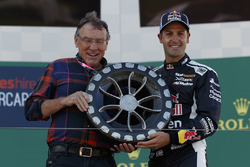 2. Jamie Whincup, Triple Eight Race Engineering Holden, mit Larry Perkins