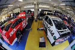 Ryan Blaney, Team Penske, Ford Fusion DEX Imaging Aric Almirola, Stewart-Haas Racing, Ford Fusion Smithfield
