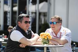 Eric Boullier, directeur de la compétition, McLaren, and Zak Brown, directeur exécutif, McLaren Technology Group