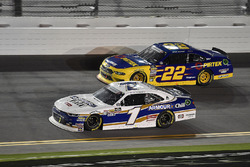Elliott Sadler, JR Motorsports, Chevrolet Camaro Chevrolet ARMOUR Chili and Ryan Blaney, Team Penske, Ford Mustang Pirtek