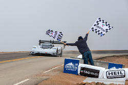 Checkered flag #94 Romain Dumas, Volkswagen I.D. R Pikes Peak