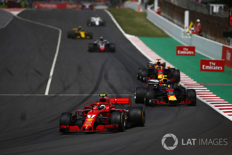 Кими Райкконен, Ferrari SF71H, Макс Ферстаппен и Даниэль Риккардо, Red Bull Racing RB14, Кевин Магнуссен, Haas F1 Team VF-18