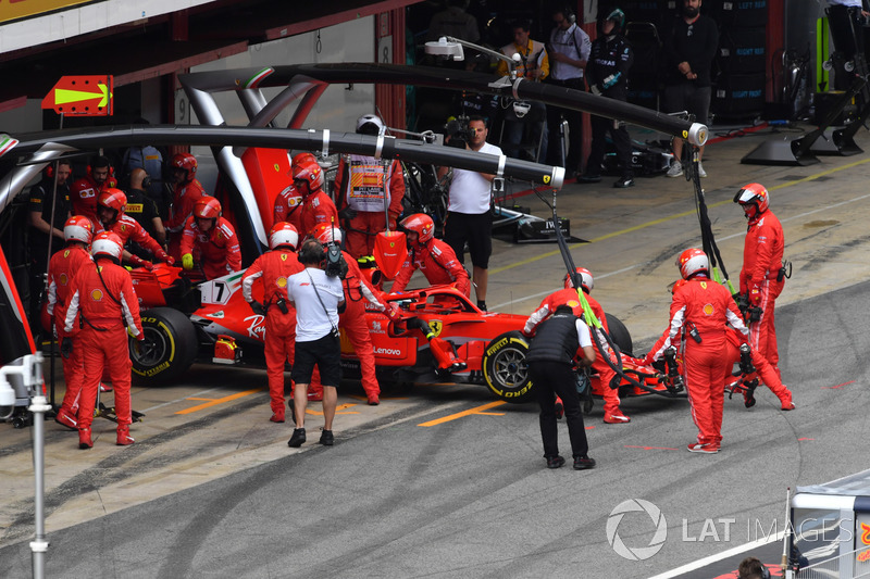Kimi Raikkonen, Ferrari SF71H retires from the race
