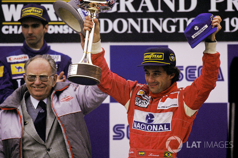 4º Ayrton Senna  (29 victorias desde la pole) (el 44'62 % de sus victorias)