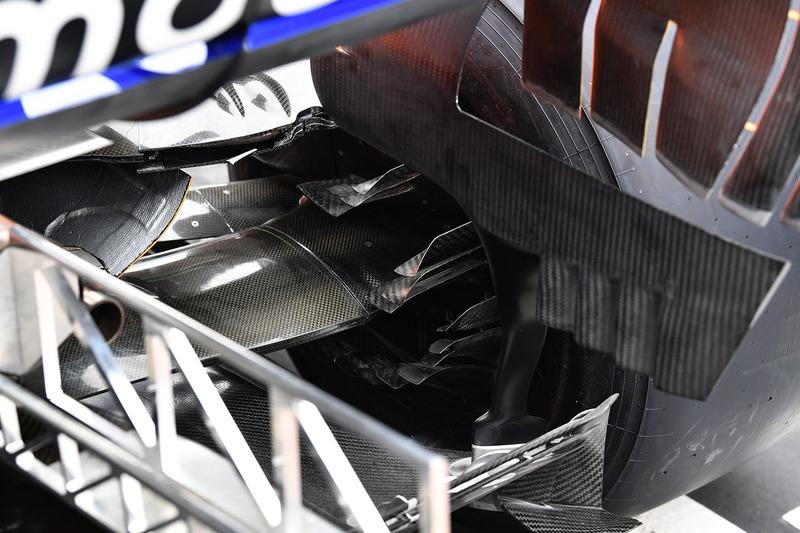 Повітропровід задніх гальм McLaren MCL33
