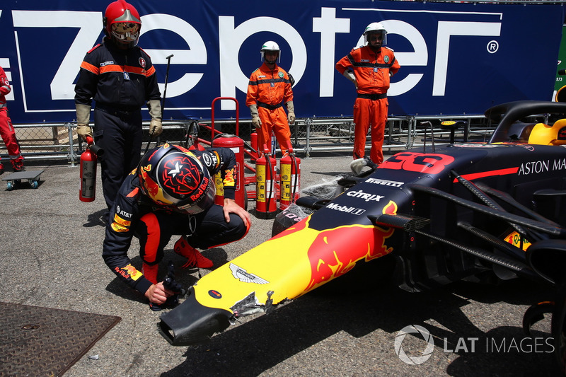 Insiden Max Verstappen, Red Bull Racing RB14 di FP3