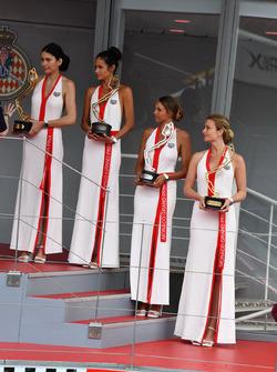 Chicas de TAG Heuer en el podio