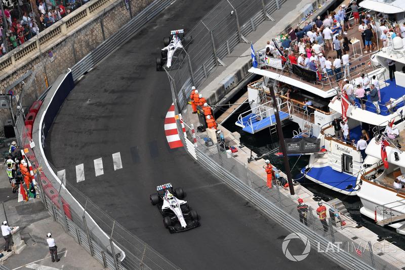 Lance Stroll, Williams FW41, Sergey Sirotkin, Williams FW41