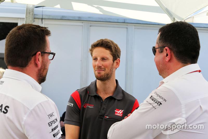 Romain Grosjean, Haas F1 Team; Eric Boullier, McLaren