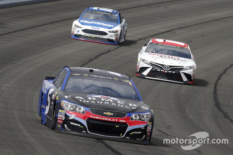 Kasey Kahne, Hendrick Motorsports, Chevrolet; Denny Hamlin, Joe Gibbs Racing, Toyota